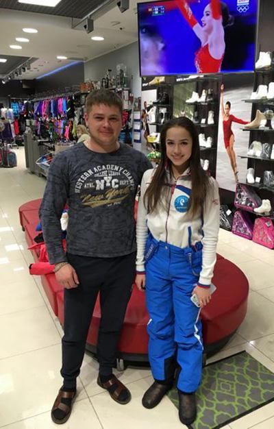 Олимпийская чемпионка, чемпионка Мира и Европы, лучшая фигуристка 2017 — 2019 годов Алина Загитова экипируется в компании «Твизл»