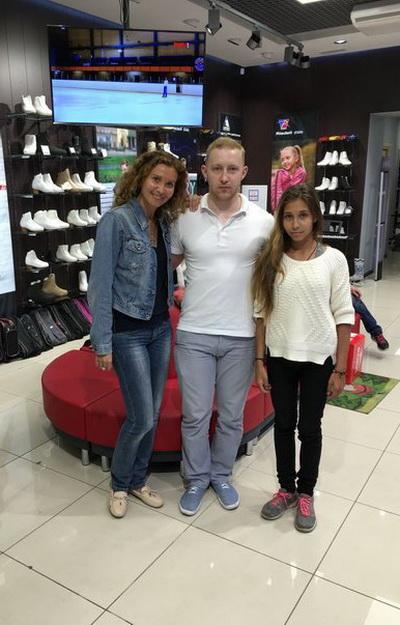 Ведущий тренер России Этери Тутберидзе экипирует свою дочь в компании «Твизл»