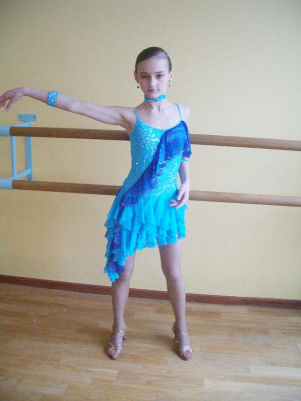 Спортивных бальных платьев